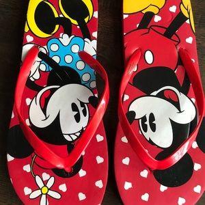 Minnie Mickey Mouse Disney flip flops  9/10 NWOT